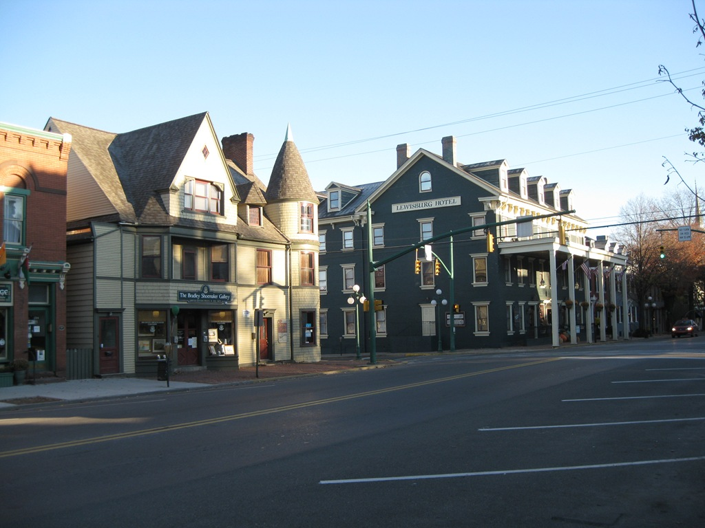 Lewisburg Hotel And Bradley Shoemaker Gallery